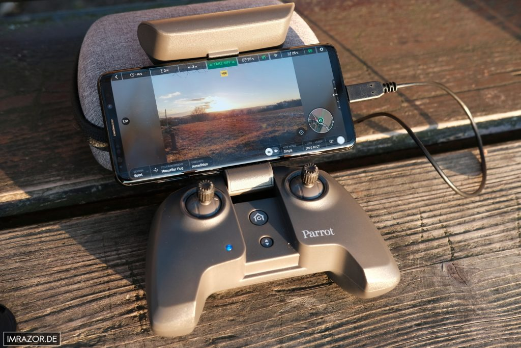 Skycontroller 3 mit Samsung Galaxy S9+ in Aktion