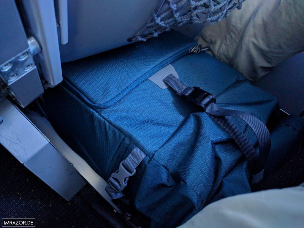 Compagnon Explorer+ - passt im Flugzeug als Handgepäck perfekt unter den Vordersitz