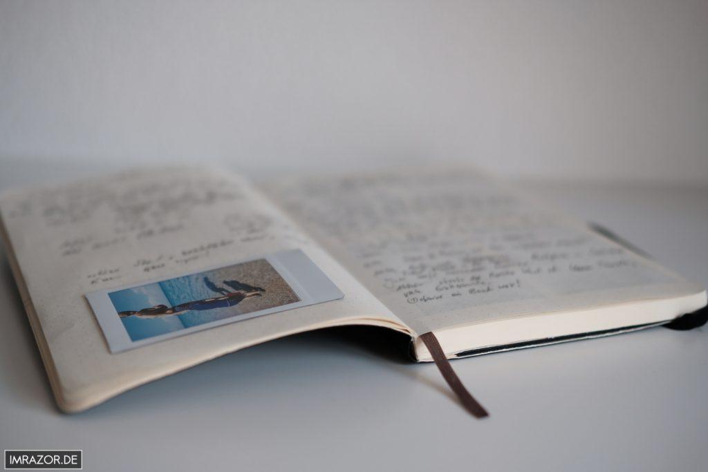 Moleskine Notizbuch mit eingeklebtem Instax Mini