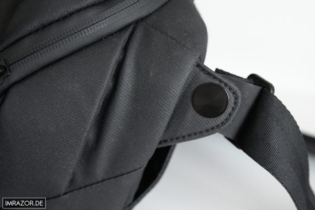 Peak Design Everyday Sling 5L - Details wie wasserdichte Reißverschlüsse und Metallgelenk für Tragegurt