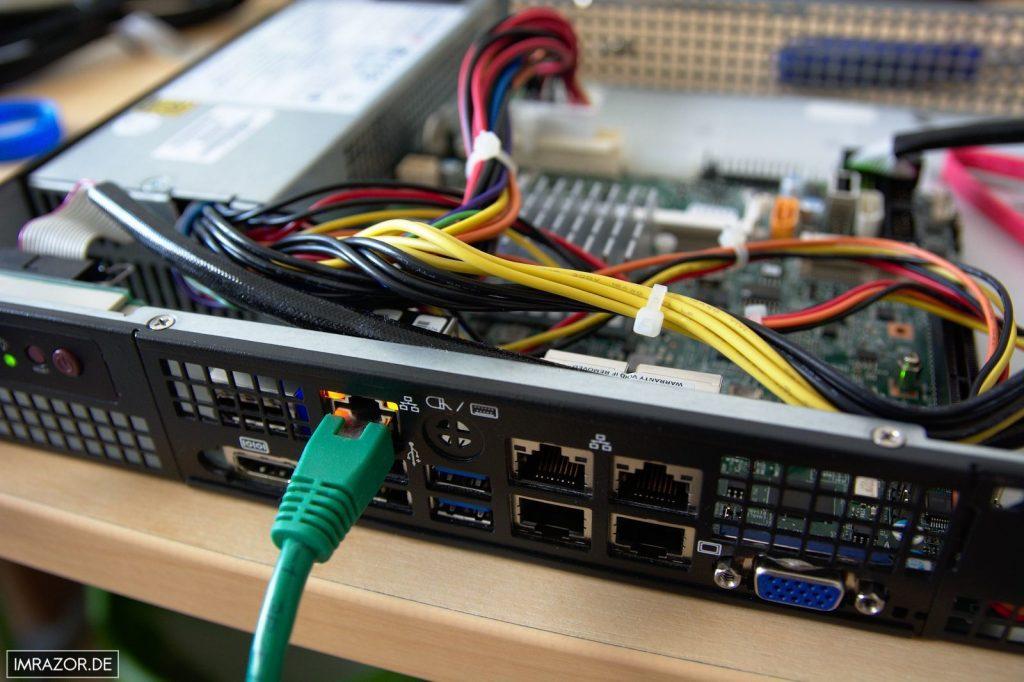 IPMI-Schnittstelle an das Netzwerk angeschlossen